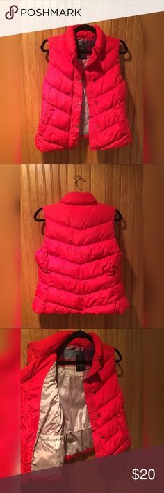 Gap Women's Winter Warmth Red Winter Vest -S Check out this cozy women's red winter vest part of gaps winter addition 2012 winter warmth collection   size small.  Gently used. No defects. 100% polyester  Includes drawstring at waist to cinch in for flattering figure. Two. zipper pockets on the outside.  Looking to sell, not trade. GAP Jackets & Coats Vests