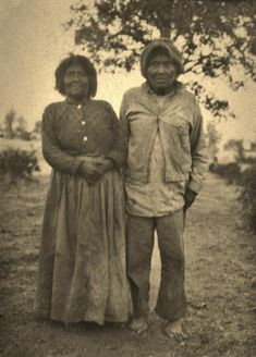 MIWOK COUPLE , 1903