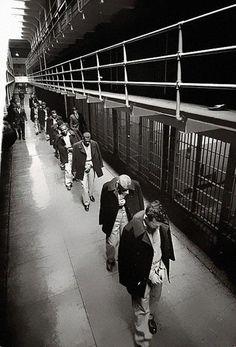 34.) The last of the prisoners leaving Alcatraz in 1963.