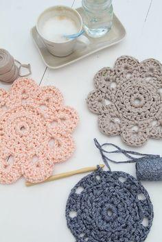 Chunky Doily By Maaike van Koert - Free Crochet Pattern - Diagram Also Included - (ravelry)