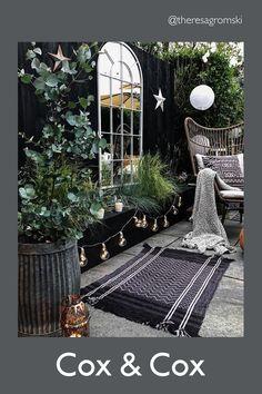 #coxandcox #gardenmirror #gardenmirrorideas #gardenmirrorideasoutdoors #garden #gardendesign #courtyardgarden #courtyardgardenideas