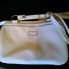 Relic handbag White with 2zippers and front/back pockets Relic Bags Crossbody Bags