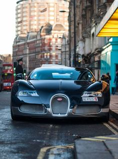 Bugatti - fine picture Lux Cars, Car Goals, Car In The World, Bugatti Veyron, Car Wallpapers, Car Manufacturers, Car Ins, Cars And Motorcycles, Dream Cars