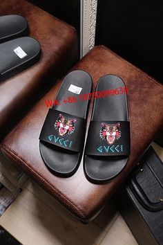 3d974818e1909 Lovers slippers The first layer of leather