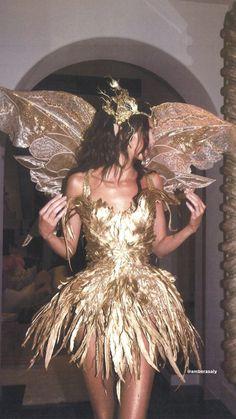 Kendall Jenner Outfits, Gala Dresses, Kardashian Jenner, Halloween Outfits, Fancy Dress, Pretty People, Cute Outfits, Fashion Show, Celebs