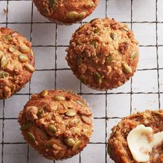 Streusel-crunch spiced carrot cake muffins - Chatelaine