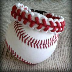 Baseball Bracelet.  Paracord  /  Survival Type To order cctack@hotmail.com