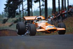 Bruce McLaren in the McLaren M7C at the German Grand Prix 1969 (qualifying: 7:56,5 min). The car was bought by John Surtees in 1970 and resold to Joakim Bonnier one year later.