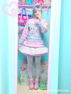 kissmykandi:  I wore my new sweater out today! (ノ´ヮ´)ノ*:・゚✧