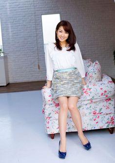 【画像】はやドキ!で樺島彩アナのニットお胸wwwww - MommyGrid.com Cute Asian Girls, Cute Girls, Asian Fashion, Girl Fashion, Suits For Women, Sexy Women, Pantyhose Outfits, Rock Outfits, Beautiful Asian Women