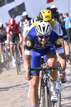 #TomBoonen eating up the cobbles @ #ParisRoubaix (Tim de Waele/TDWSport.com)