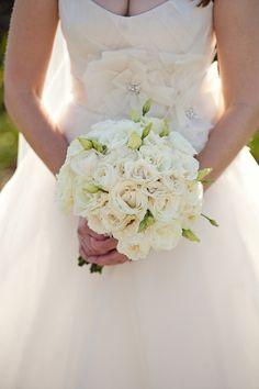 white bouquet   Frenzel Photographers