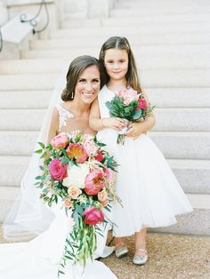 Beautiful bride and flower girl! Best Picture For flower girl ideas will you be m Wedding Picture Poses, Wedding Photography Poses, Wedding Poses, Wedding Bride, Bride Poses, Party Photography, Wedding Photoshoot, Wedding Portraits, Dream Wedding