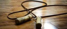 La corde à sauter n'est pas réservée aux enfants : exercice de cardio qui brûle 850 calories en 1h !