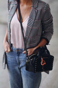 blog-mode-top-satin-rose-blazer-prince-de-galles Formal Business Attire, Business Casual, Fashion Addict, Women's Fashion, Satin Rose, Look Blazer, Julie, Montpellier, Style Me