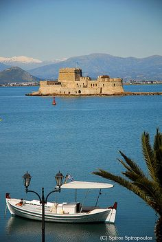 Greece Travel Inspiration - The castle of Bourtzi is located in the middle of the harbour of Nafplio Santorini, Patras, Places Around The World, Around The Worlds, Places In Greece, Greece Travel, Albania, Greek Islands, Places To See