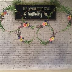 Photo Booth Wall, Photo Booth Background, Photo Booth Backdrop, Photo Booths, Backdrop Ideas, Valentines Photo Booth, Easter Backdrops, Picture Backdrops, Easter Backgrounds