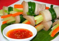 Thịt ba chỉ cuộn rau củ chống ngán cho bữa cơm ngày hè - http://congthucmonngon.com/171321/thit-ba-chi-cuon-rau-cu-chong-ngan-cho-bua-com-ngay-he.html
