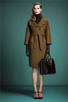 Gucci New York - Pre-Fall 2013 2014 - Shows - Vogue. Fashion Week, Winter Fashion, Fashion Show, Womens Fashion, Fashion Design, Runway Fashion, Review Fashion, Dress Fashion, Leather Gloves