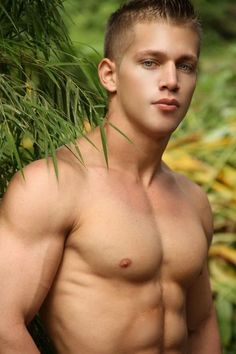 Beauties & cuties: Photo....WHAT A HOT COLLEGE STUD. HE COULD TEACH ME ONE THING FOR SURE?