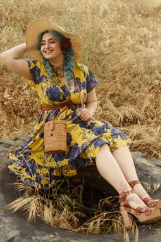Total Look By Mat. fashion Real Size Plus Size Fashion #matfashion #matfashionistas #matstyle #therealyou #realsize #realwomen #loveyourcurves #bodypositive #bodypositiveinfluencer #bodypositivity #collection #fashion #stylebeyondsize #curvyfashion #greekfashion #greekfashionistas #greekfashionbloggers Mat Fashion, Curvy Fashion, Plus Size Fashion, Greek Fashion, Real Women, Curves, Short Sleeve Dresses, Collection, Vintage