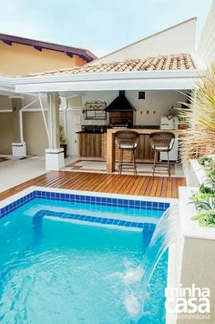 37 Ideas Home Design Exterior Simple Backyards Small Backyard Pools, Backyard Pool Designs, Small Pools, Swimming Pools Backyard, Backyard Patio, Porche Chalet, Outdoor Spaces, Outdoor Living, Living Pool