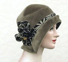 Very nicely detailed flapper hat.  Lovely!