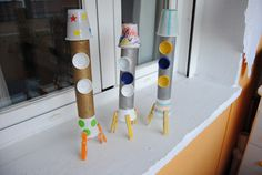Trastadas de Mamá: Cohetes con materiales reciclados Solar System, Planets, Scrapbook, Kids, Crafts, Recycled Materials, Rockets, Forest Animals, Space