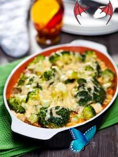10 vegetarian meals packed with protein – Today's Parent 10 vegetarian meals packed with protein | Today's Parent YUM!<br> Going meatless doesn't mean you have to give up flavour. These 10 vegetarian recipes are tasty, full of protein and will fill your family up. Todays Parent, Vegetarian Meals, Quiche, Fill, Protein, Tasty, Breakfast, Morning Coffee, Vegetarian Cooking