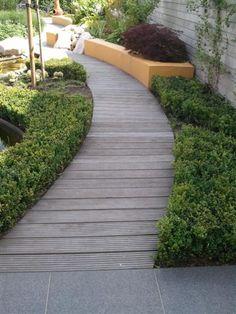 houten tuinpad Landscape Architecture, Landscape Design, Garden Design, Side Yard Landscaping, Wood Walkway, Backyard Plan, Back Gardens, House Front, Dream Garden
