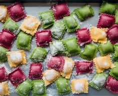 Oct 5 Homemade Beet, Butternut Squash, and Spinach Ravioli with Orange Butter Sauce with KitchenAid - {Pasta recipes / Pasta Rezepte} - Spinach Ravioli, Butternut Squash Ravioli, Vegan Ravioli, Pasta Recipes, Cooking Recipes, Spinach Recipes, Pasta Casera, Masterchef, Homemade Pasta
