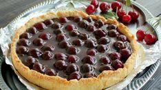 Открытый пирог из песочного теста с вишней — эффектно и вкусно!