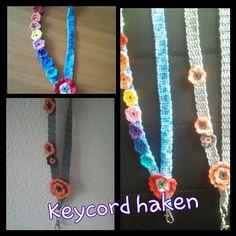 gehaakt keycord Crochet Keychain Pattern, Crochet Necklace, Crochet Ideas, Crochet Hats, Lanyards, Crochet Accessories, Key Rings, Creative Ideas, Keys