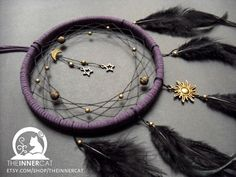 The dream catcher is a handmade craft originated from the Native American culture. The tribe made their own dream catcher to protect their newborns. Suncatchers, Dream Catcher Patterns, Owl Dream Catcher, Black Dream Catcher, Making Dream Catchers, Beautiful Dream Catchers, Dream Catcher Mobile, Dream Catcher Earrings, Large Dream Catcher