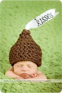 Cute baby hat. Might have to get @Denise Skelton to make this :)