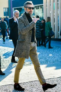 Find Mens Fashion at FashionBeans. The latest information, advice and tips about Mens Fashion in our men's fashion & style guide. Winter Suit, Stylish Shirts, Best Mens Fashion, Gentleman Style, Urban Fashion, Winter Outfits, Winter Fashion, Men Casual, Menswear