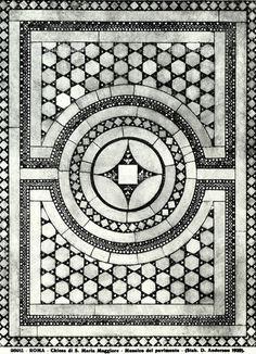 Titolo: Particolare del pavimento cosmatesco a mosaico della Basilica di Santa Maria Maggiore, Roma., Data dello scatto:1890 ca., Referenze fotografiche: Archivi Alinari-archivio Anderson, Firenze
