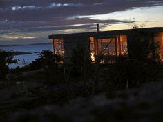 MAGISK: Det er vel ingen ting som kan måle seg med lyset sent en sommerkveld? Gazebo, Outdoor Structures, Cabin, Celestial, Sunset, Architecture, House Styles, Plants, Home Decor