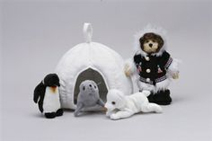 Arctic Friends with 11 Inch Plush Igloo Travel Home