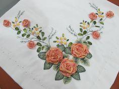 Embroidery Bags, Silk Ribbon Embroidery, Hand Embroidery Patterns, Embroidery Stitches, Embroidery Designs, Ribbon Art, Ribbon Crafts, Brazilian Embroidery, Needlework