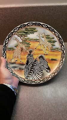 """10"""" AFRICAN ANIMAL ZEBRAS AND GIRAFFES COLLECTOR PLATE DISPLAY ONLY"""