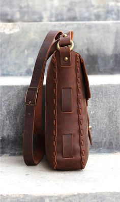 Leather Satchel Pouch for Men Women aka Indiana by JooJoobs. Make it no sew by wrapping front and back pieces arund and overlapping where the strap weaves?