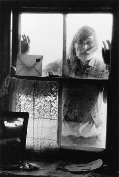 Anjelica Huston by Bill Richardson.