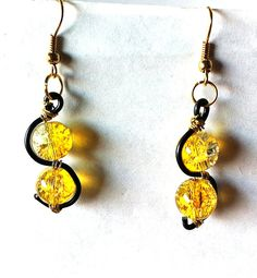 Two toned Yellow clear and black mini squiggle by BeadingByJenn, $6.50
