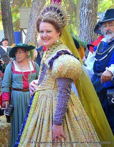 Gold Gown - Deirdre Sargent as Queen Elizabeth - NorCalRenFaire