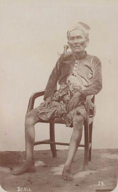 Goesti Djilantik on Lombok, Karangasem Bali Lombok, Lombok 1894 Vintage Pictures, Old Pictures, Old Photos, Maluku Islands, Bali Lombok, West Papua, Dutch East Indies, Borneo, Balinese