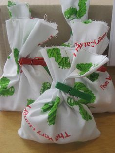 Lovely fabric goody bags. The clothes pins are a nice touch.