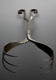 Cephalotribe; obstetric tool, Geneva, Switzerland, 1750-1850 to save mother. The instrument pierced and crushed the fetus head to extract it from the mother's body. They were used as a last resort only after the fetus was dead.