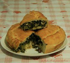 Perfetta per la cena di stasera, che dite la inforniamo?  http://blog.giallozafferano.it/ledolcicreazionidicris/pizza-di-scarola/ #pizzadiscarola #pizzadiscarolanapoletana #pizzarustica #cucinanapoletanadoc #cucinanapoletana #pizzarusticavegetariana #cucinavegana #ledolcicreazionidicris #blog.giallozafferano