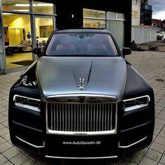Best classic cars and more! Classic Cars British, Old Classic Cars, Best Luxury Cars, Luxury Suv, Mercedes Wheels, Mercedes Benz, Rolls Royce Dawn, Vintage Rolls Royce, Rolls Royce Cullinan